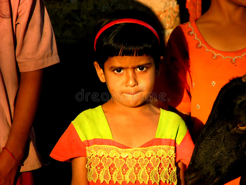 Besorgtes indisches Mädchen lizenzfreies stockbild
