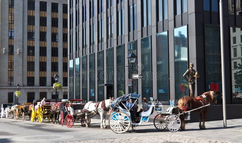 Bespannter Buggy Caleches reitet für Touristen in Montreal, Kanada lizenzfreie stockbilder