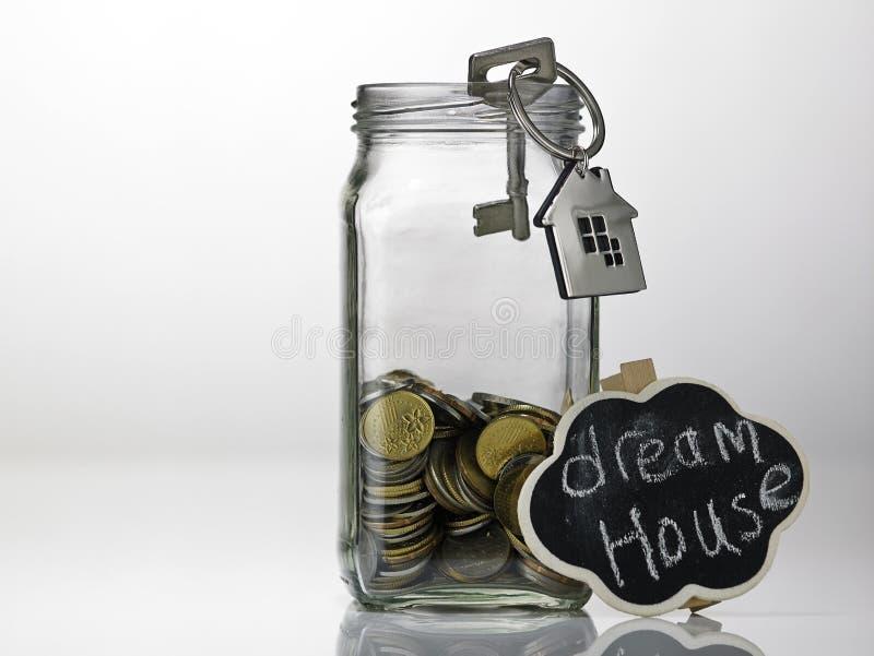 Besparing voor huis stock afbeelding