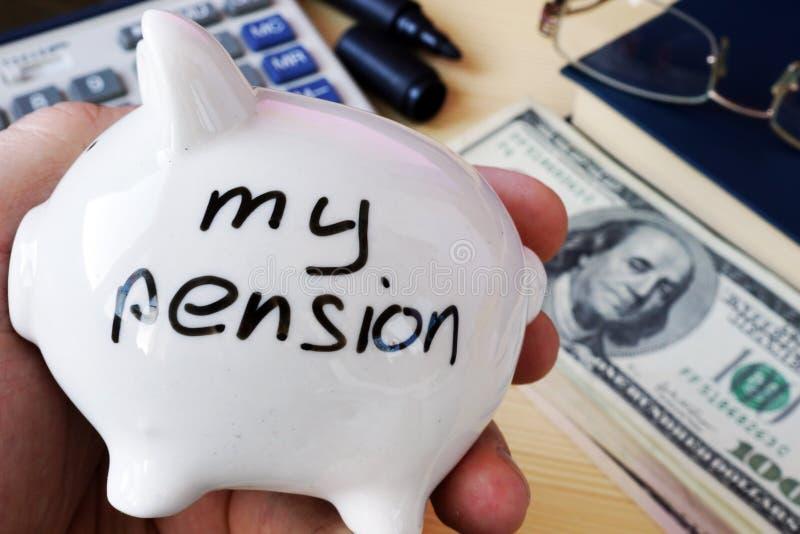 Besparingar för avgång Min pension på en spargrissida royaltyfri bild