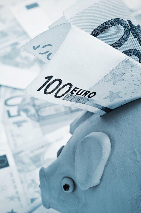 Besparingpengar arkivbild