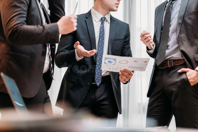 Besprekings communicatie commerciële vergaderingsmensen stock afbeelding