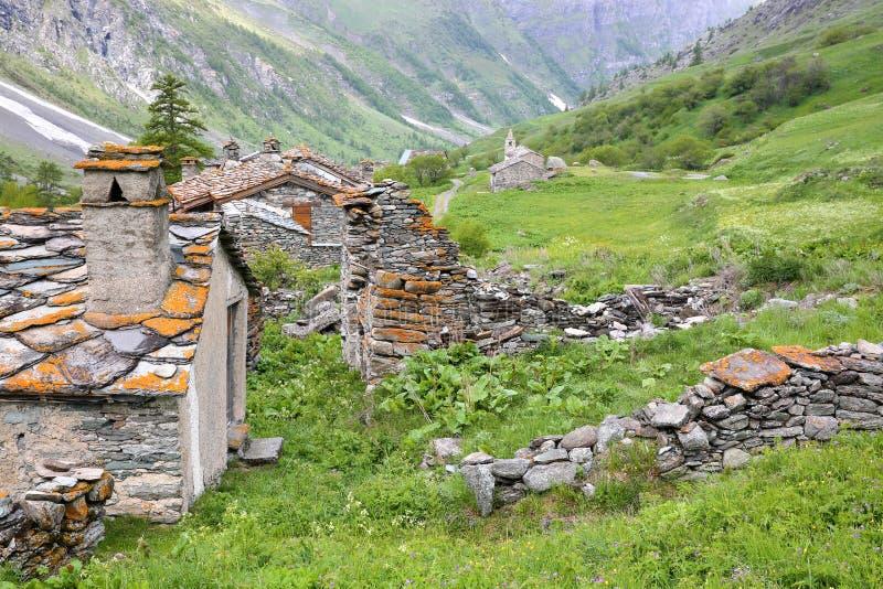 BESSANS, ΓΑΛΛΙΑ: Το χωριουδάκι Averole που βρίσκεται στην κοιλάδα Averole, εθνικό πάρκο Vanoise, βόρειες Άλπεις στοκ φωτογραφία