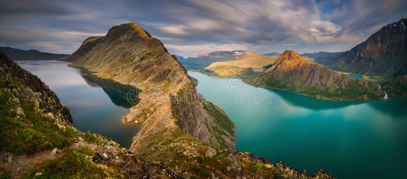 Besseggen Ridge Panorama immagini stock libere da diritti