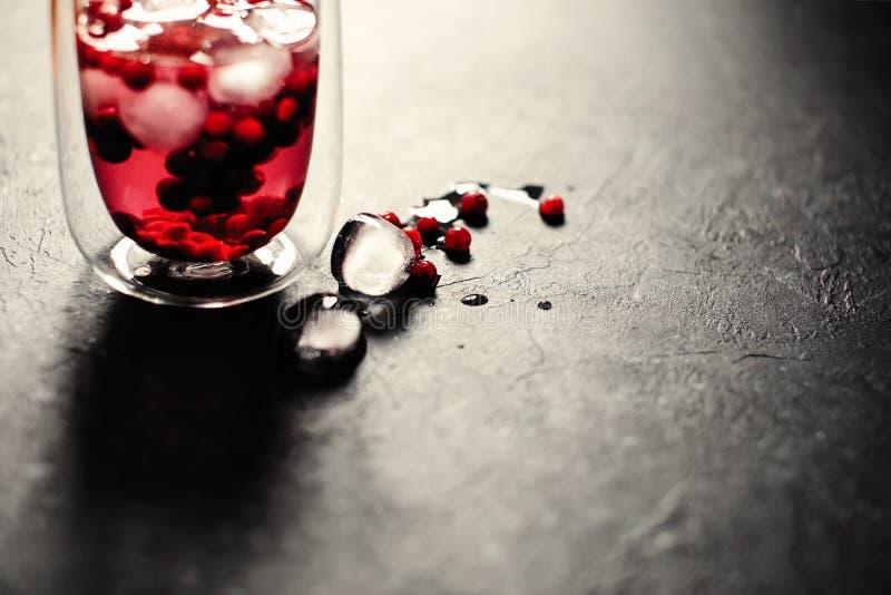 Bessendrank met ijs stock afbeeldingen