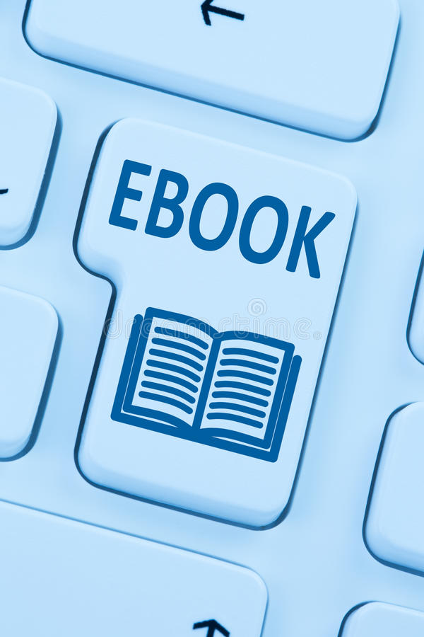 Beställa den EBook Ebook nedladdninginternet slösa på den läs- datoren royaltyfri foto