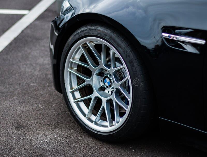 Beställnings- BMW framhjul fotografering för bildbyråer