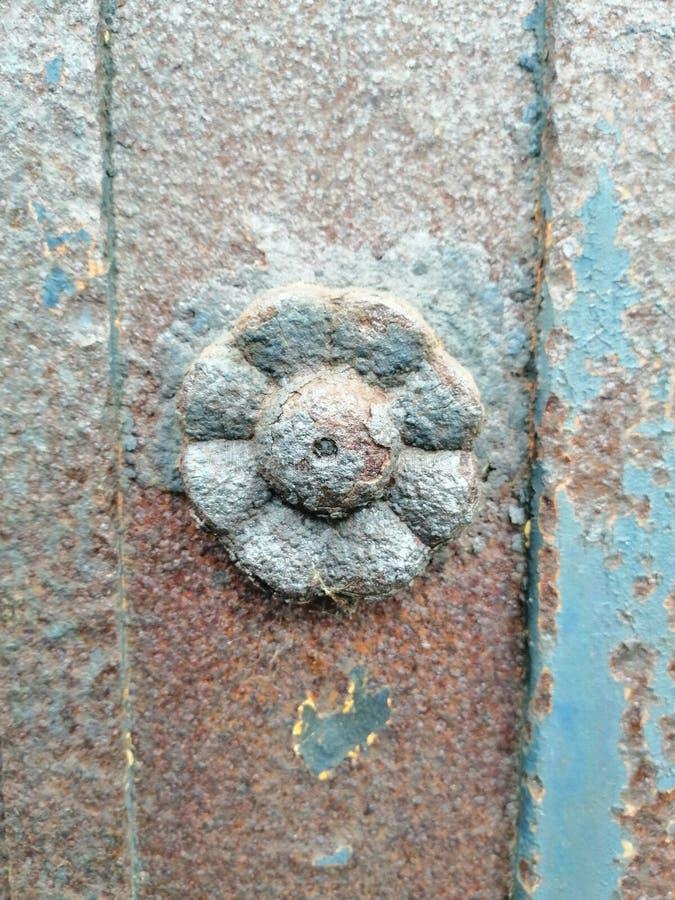 beståndsdel av smidet i form av en blomma royaltyfria foton