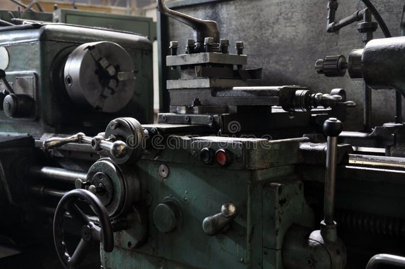 Best?ndsdelar av den metalworking maskinen fabrik och teknologi arkivfoton