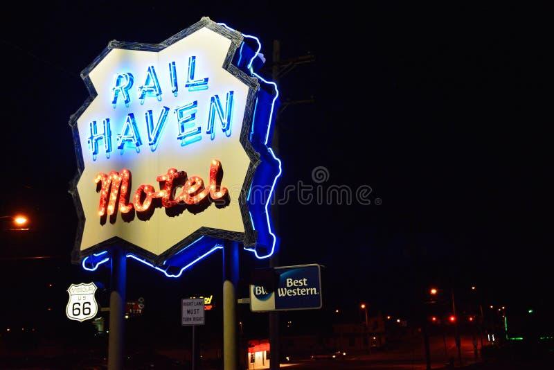 Best Western befördern Hafenmotel mit der Eisenbahn Berühmtes Motel auf Route 66 lizenzfreies stockbild