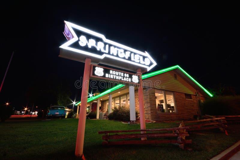 Best Western befördern Hafenmotel mit der Eisenbahn Berühmtes Motel auf Route 66 lizenzfreie stockfotografie