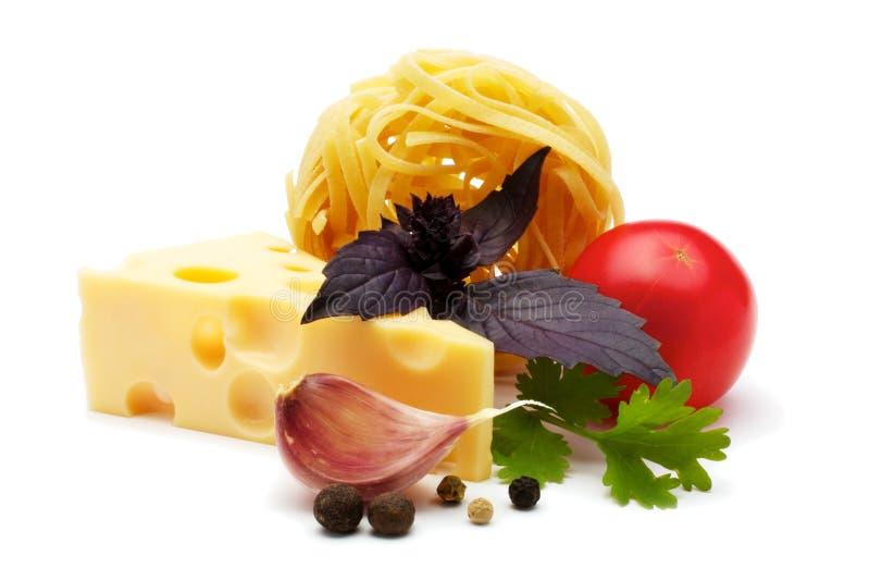Bestandteile mit Käse lizenzfreies stockfoto
