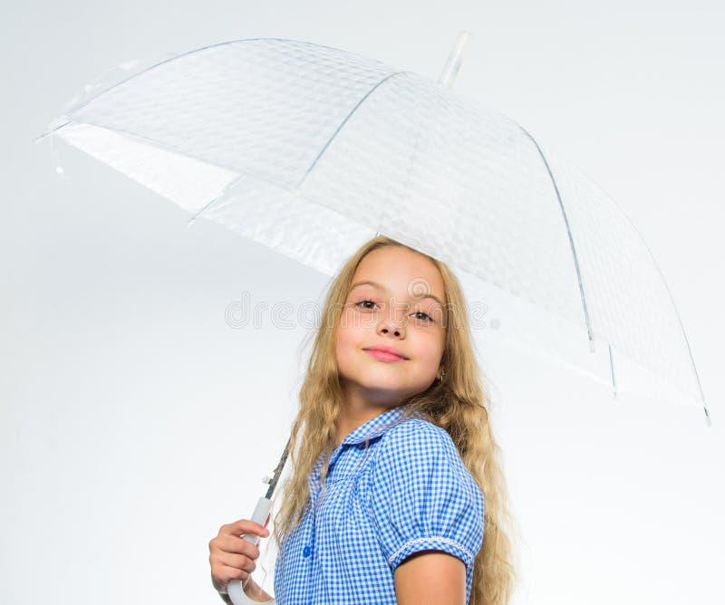 Beste dalings bijkomend concept Geniet dalings van weer Dalings regenachtig prettig weer Klaar meisjes het kind ontmoet dalingswe stock afbeelding