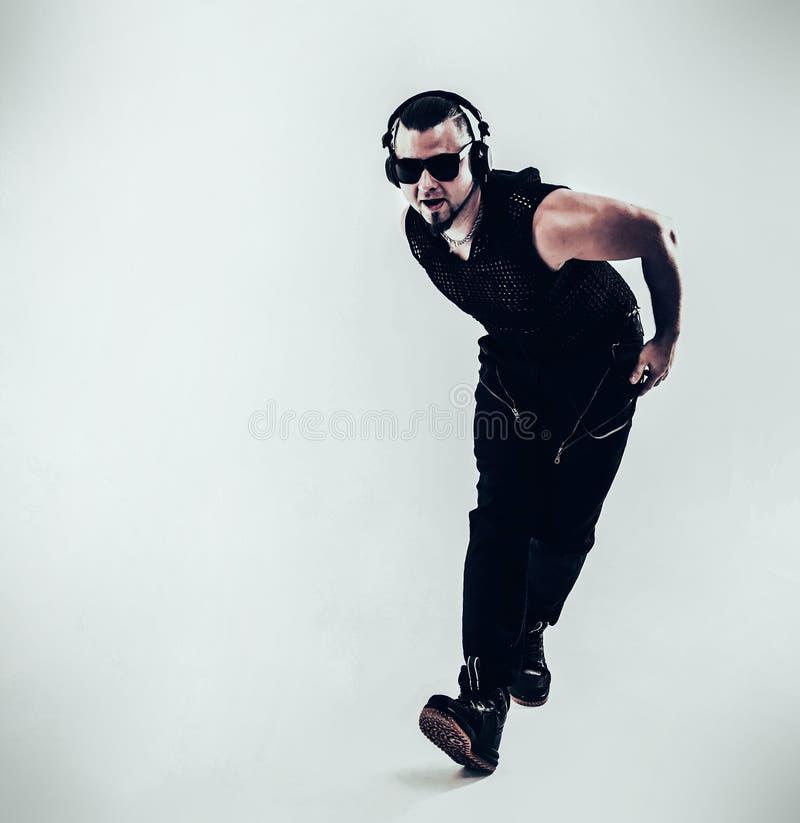 Beste rapper het dansen onderbrekingsdans Foto op een witte achtergrond stock afbeeldingen