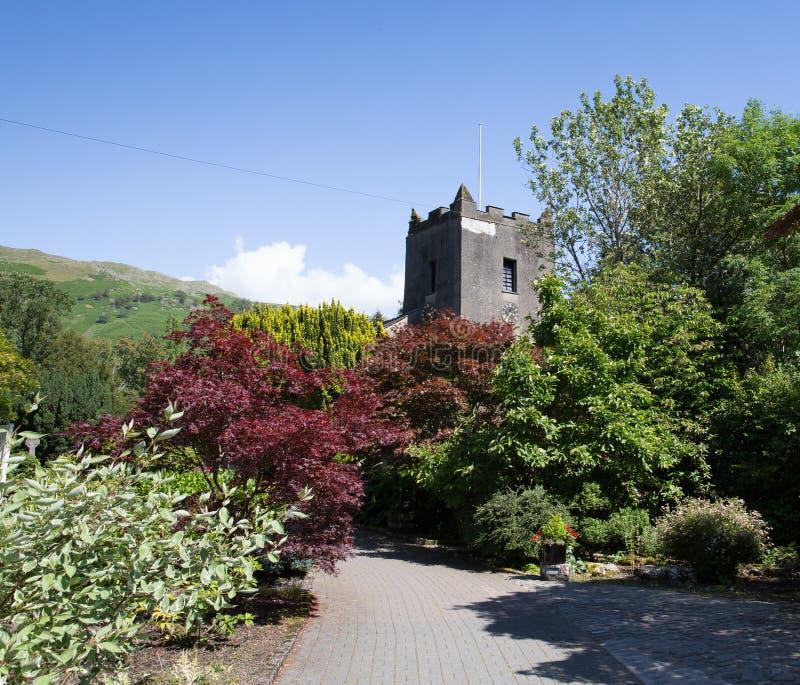Bestimmungsort Grasmere-Dorfkirche Cumbria britischer populärer touristischer englischer See-Bezirks-Nationalpark stockfotografie