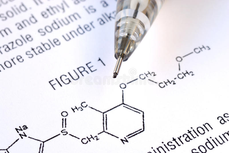 Bestudeer de chemie van de geneeskunde stock fotografie