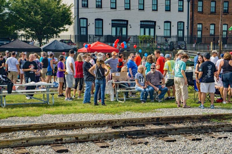 Besuche des dritten jährlichen Big-Lick-Train-Tug lizenzfreies stockfoto