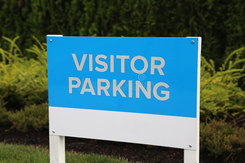 Besucher-Parkzeichen lizenzfreies stockbild