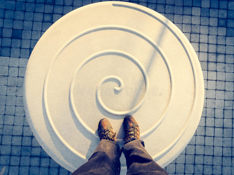 Betaalt over spiraalvormige vloer royalty-vrije stock afbeelding
