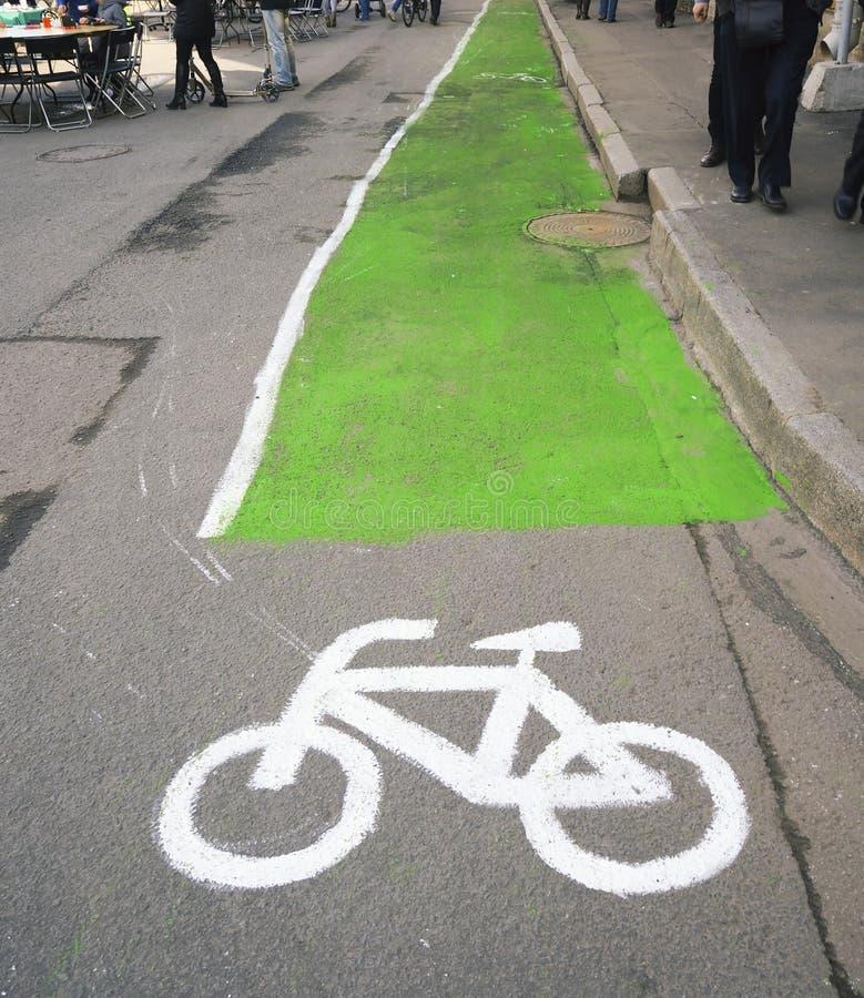 Beteckningen av cykelbanan Ryssland StPetrsburg arkivfoto