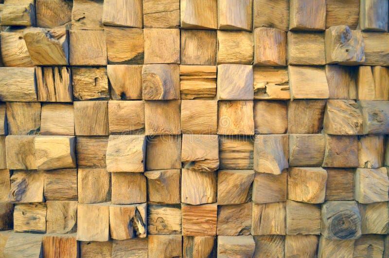 Betegelde Oude de muurachtergrond van de Teak Houten textuur voor ontwerp en decoratie Textuur van houten close-up als achtergron stock afbeeldingen