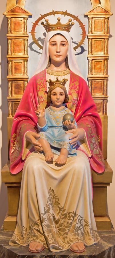 Bethlehem - het gesneden standbeeld van Madonna van 20 cent door onbekende kunstenaar in de kapel van de Melkgrot stock foto