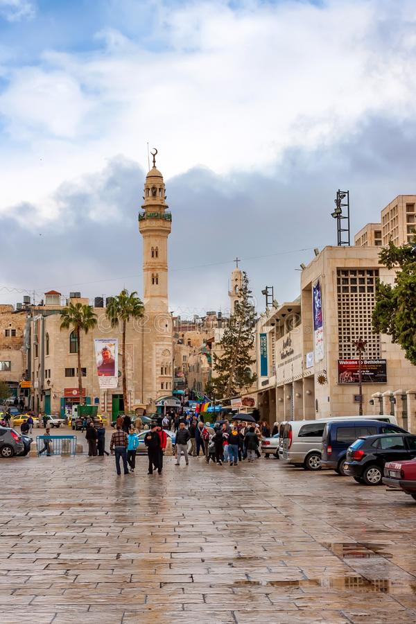 BETHLEHEM, ISRAEL - CERCA DO NOVEMBRO DE 2011: Rua de Bethlehem no dia nebuloso fotos de stock
