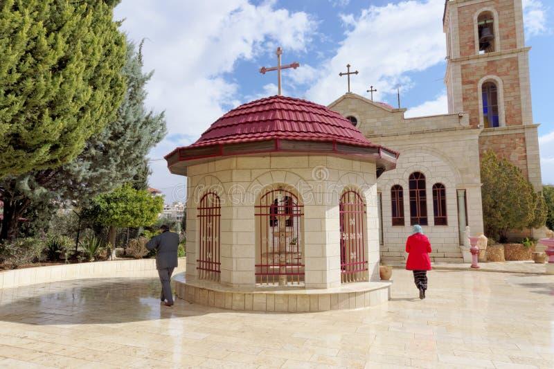 Betlemme, Israele - 14 febbraio 2017 Monastero greco sul campo dei pastori - cappella nel cortile del monastero immagine stock libera da diritti