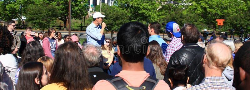 Beto O 'Rourke bij CPCC Charlotte NC stock foto's