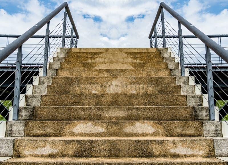 Beton z małym żwiru schody obraz royalty free