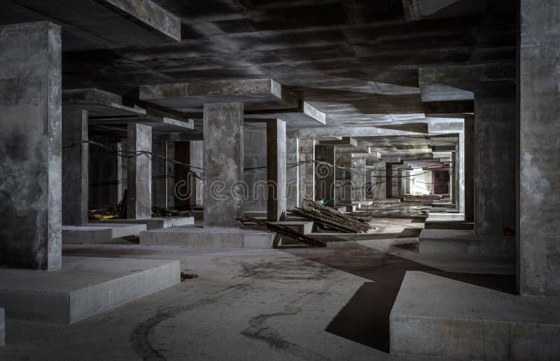 Betonowa budowa r?wna budynek metro fotografia stock