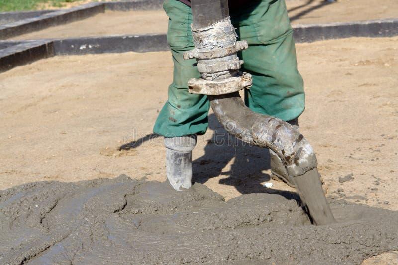 betonowej mieszanki dolewanie zdjęcie stock