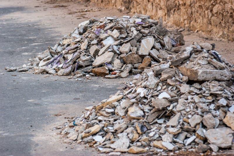 Betonowi gruzowi gruzy na budowie obrazy royalty free
