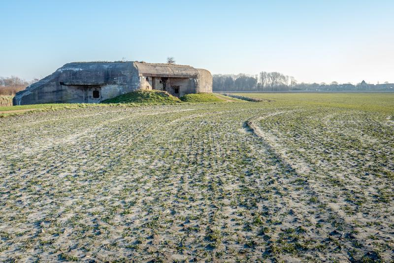 Betonowy bunkier blisko Holenderskiej wioski Koudekerke obraz royalty free
