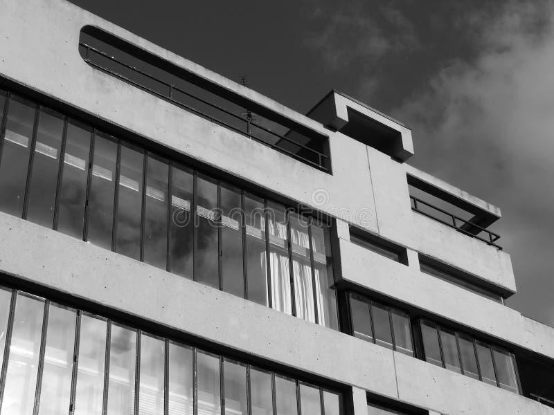 Betonowy korporacyjny przemysłowy budynek obraz stock