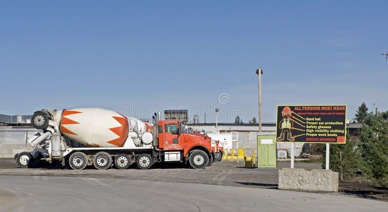 betonowy target1900_0_ ciężarowy jard obrazy stock