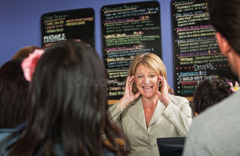 Betonter heraus Café-Inhaber stockfoto
