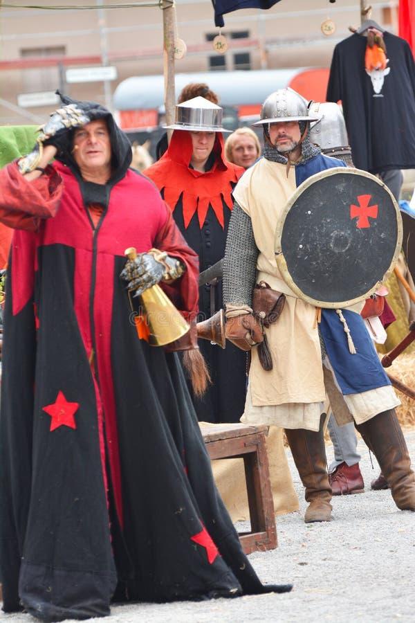 Beträffande-lag legend av den medeltida striden mot branden - andas draken royaltyfri fotografi