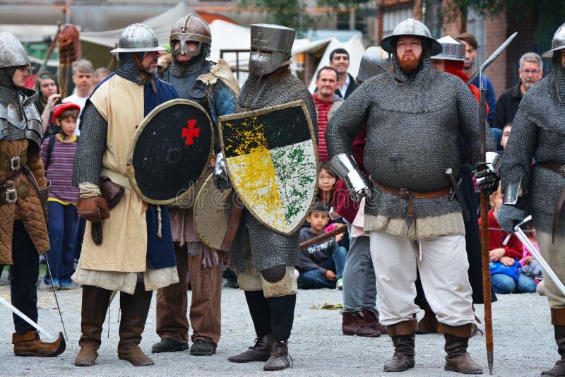 Beträffande-lag legend av den medeltida striden mot branden - andas draken royaltyfria bilder