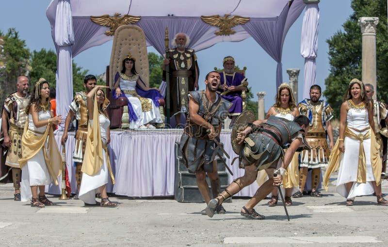 Beträffande-lag show på Ephesus på Selcuk i Turkiet royaltyfria foton