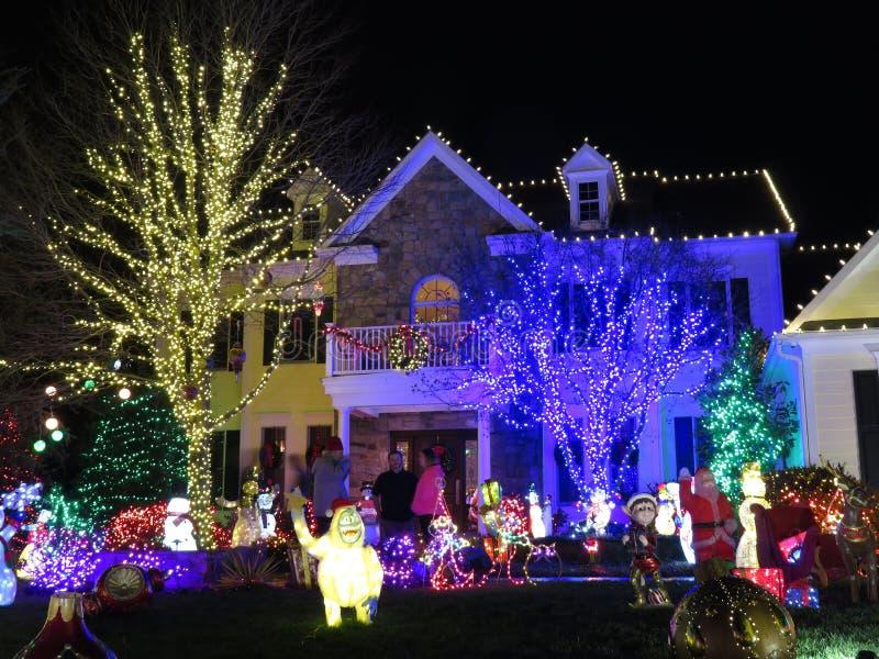 Betrachten der Weihnachtslichter in Maryland lizenzfreies stockbild