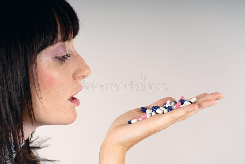 Betrachten Sie Pillen! lizenzfreies stockbild