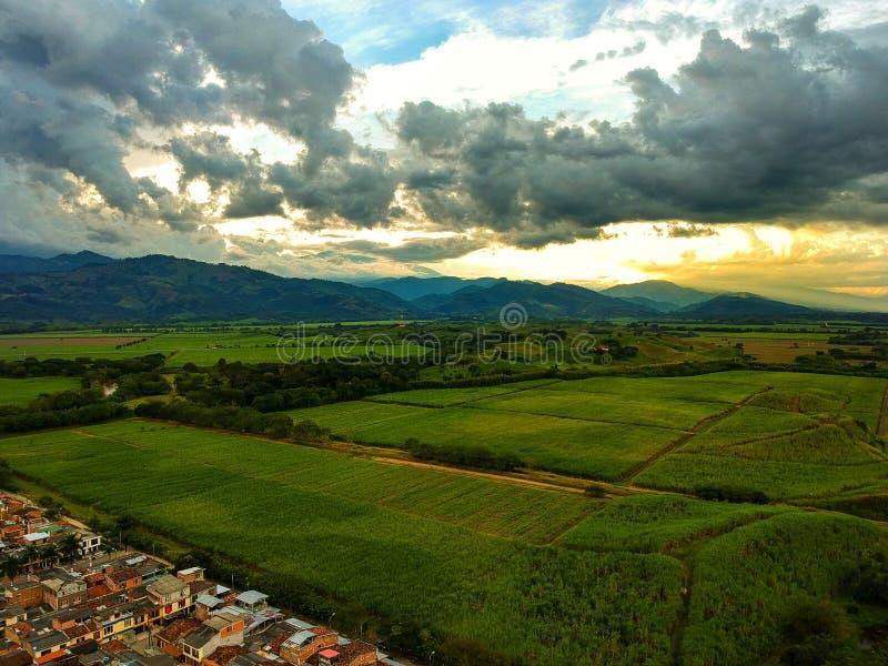 Betrekt wheter en de zonsondergang Colombia is magnifique stock foto's