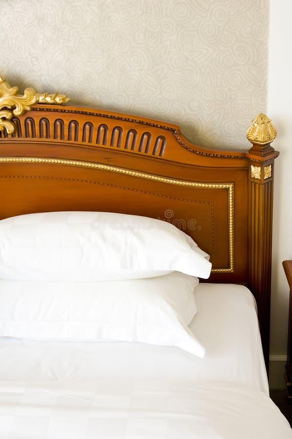 Bett lizenzfreie stockfotografie