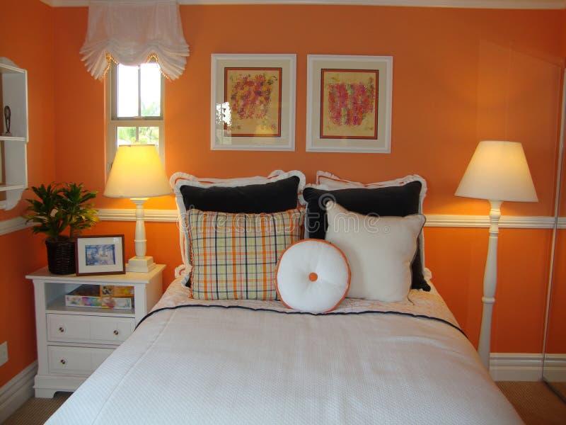 Bett-Raum für junges Mädchen lizenzfreies stockfoto