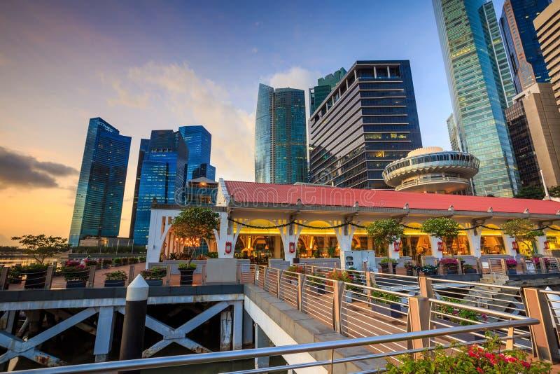 Beuatiful soluppgång i morgonen på Singapore fotografering för bildbyråer
