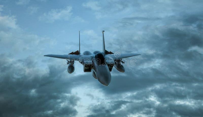 Beväpnad militär jaktflygplan i flykten på cloudly himmelbakgrunden - 3d framför vektor illustrationer