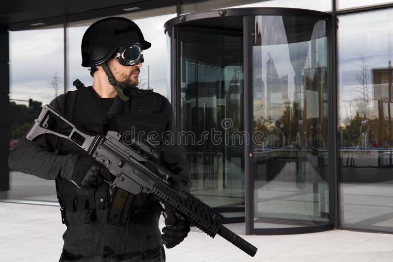 beväpnad företagsförsvarpolis fotografering för bildbyråer