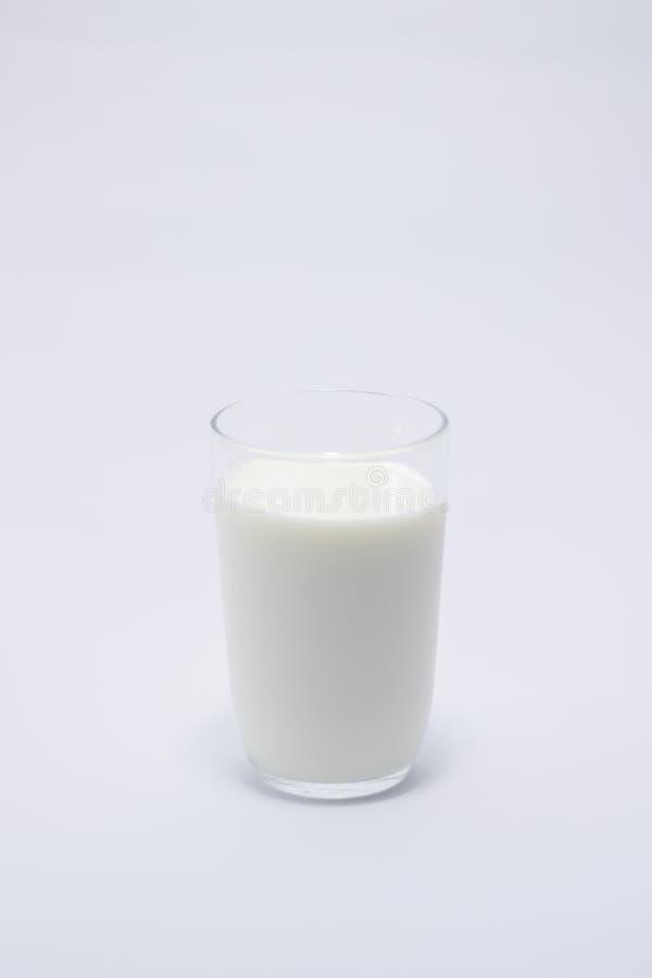 Bevanda del bicchiere di latte bianca immagini stock