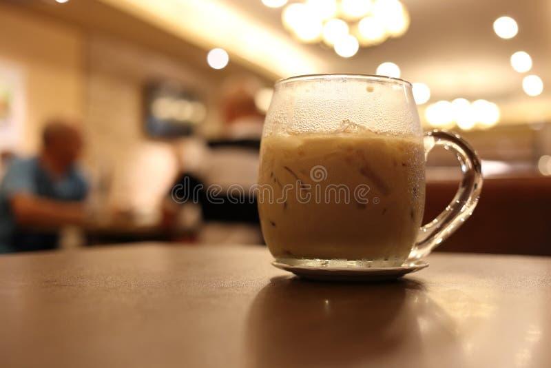 Bevanda ghiacciata del caffè in caffè fotografia stock libera da diritti